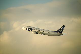 Взлет самолета Боинг-737-400 SP-LLF авиакомпании LOT