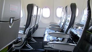 Пассажирские кресла в самолете Airbus A320 S7 Airlines