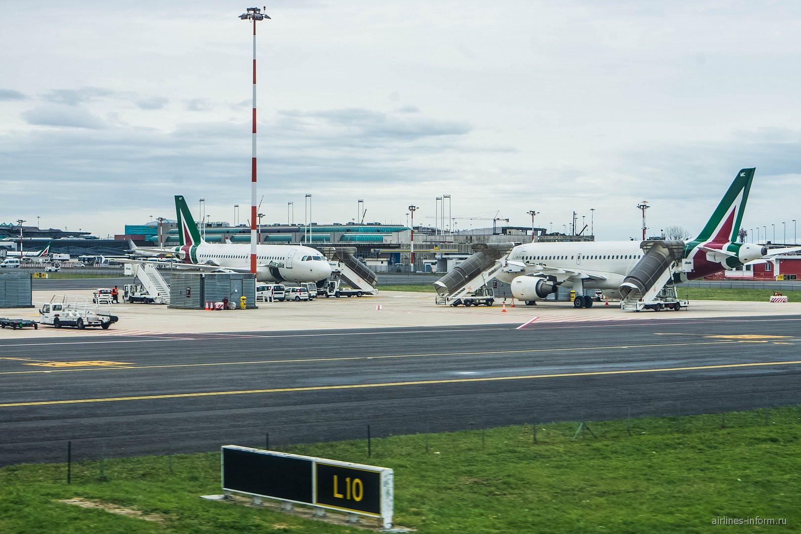 �������� Airbus A319 Alitalia � ��������� ��� ���������