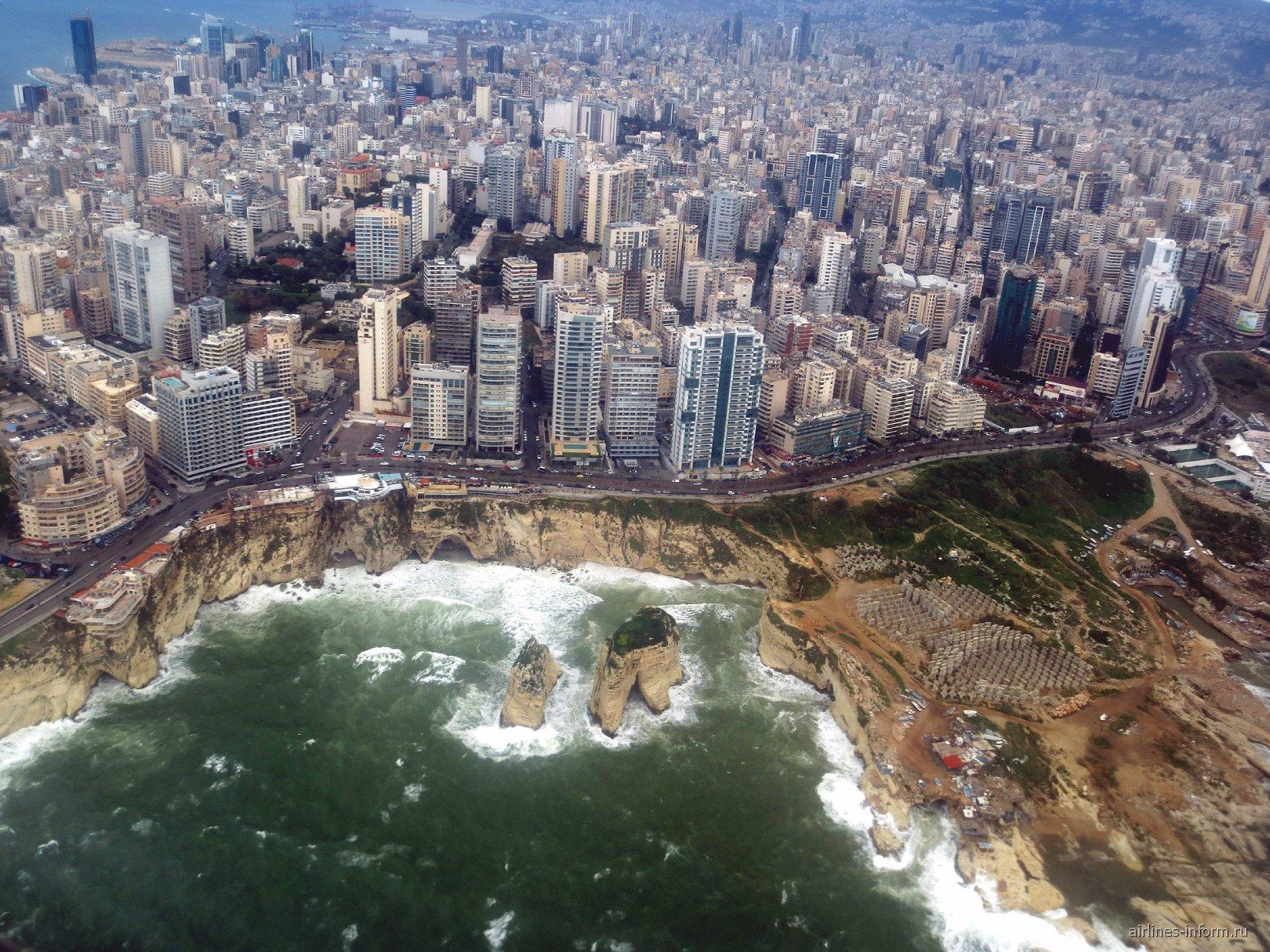 Вид на город Бейрут перед посадкой в аэропорту