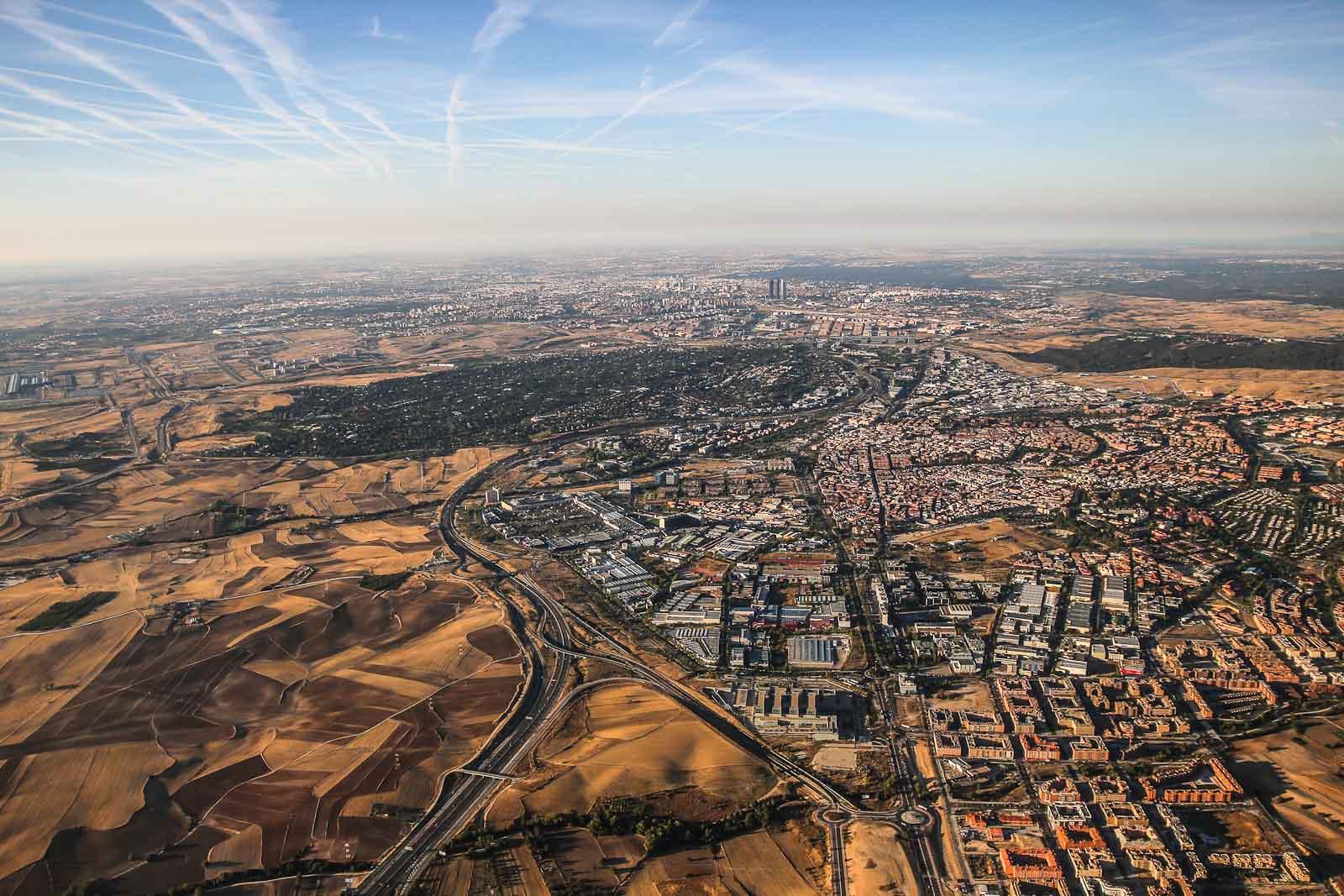 Вид на город Мадрид при взлете из аэропорта Барахас