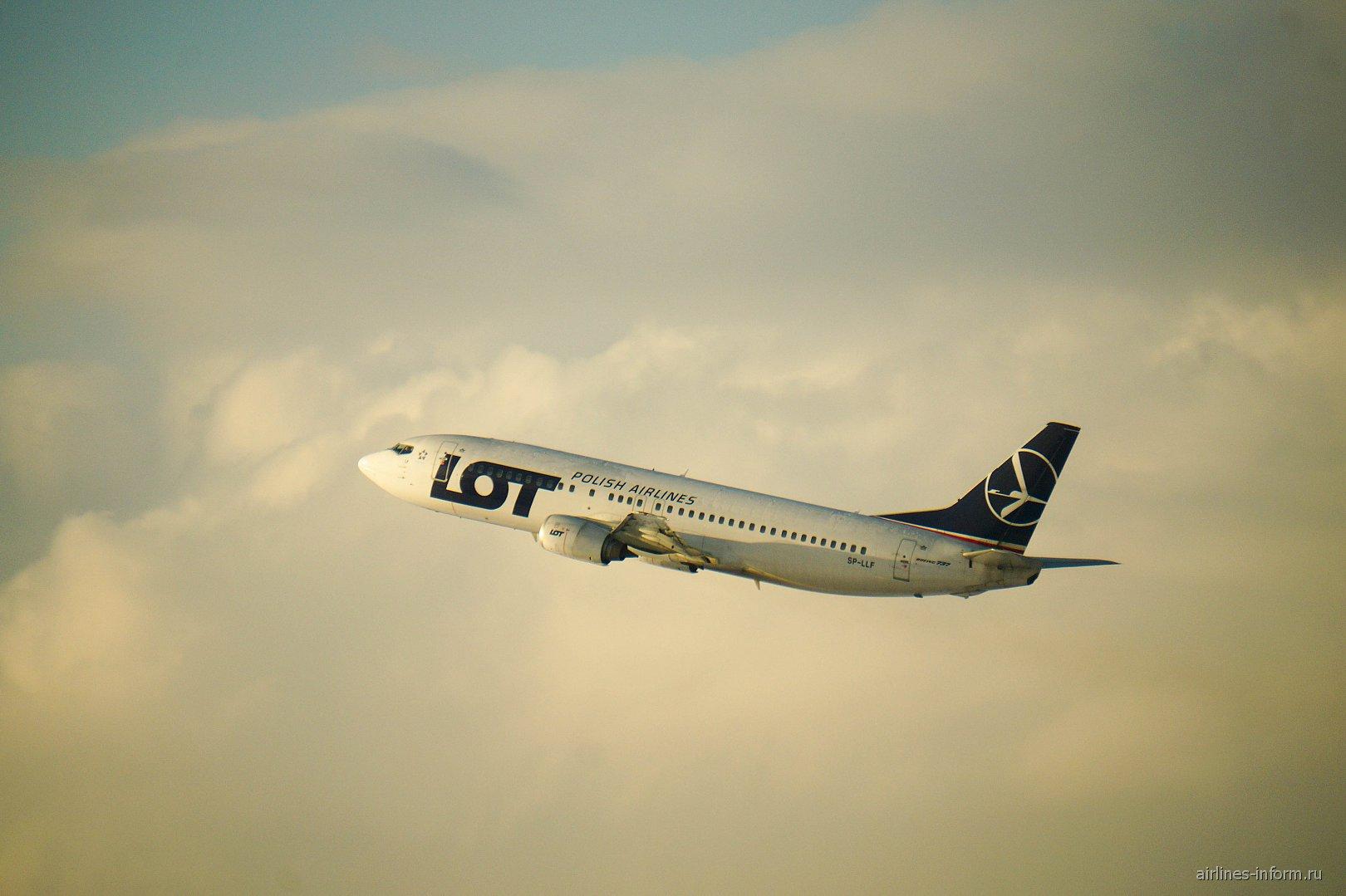 ����� �������� �����-737-400 SP-LLF ������������ LOT