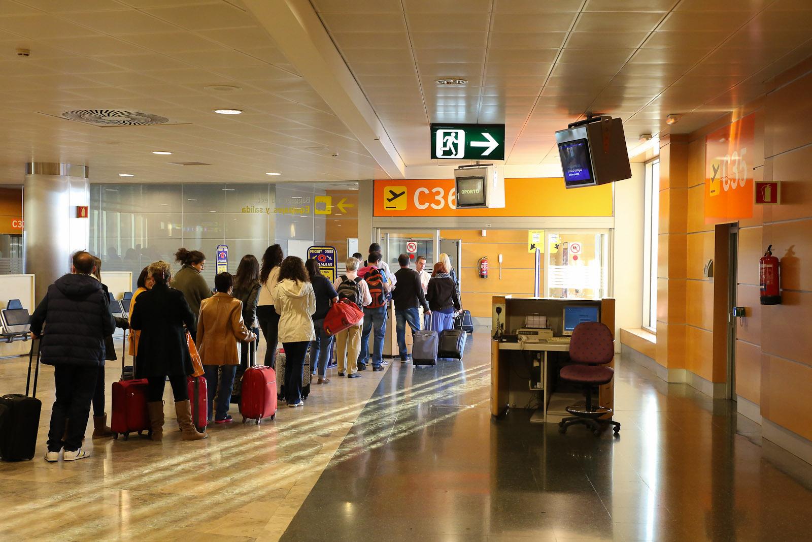 Посадка на рейс Ryanair в аэропорту Барахас