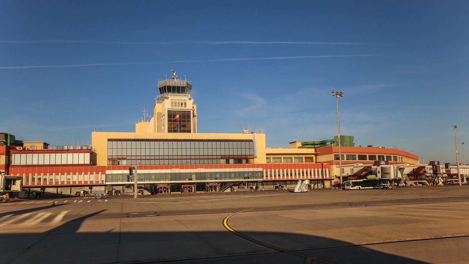 Терминал 2 аэропорта Барахас в Мадриде