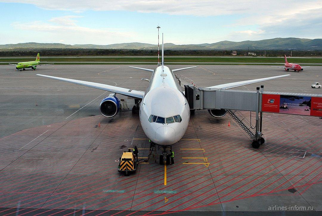 боинг 777-300 трансаэро схема салона