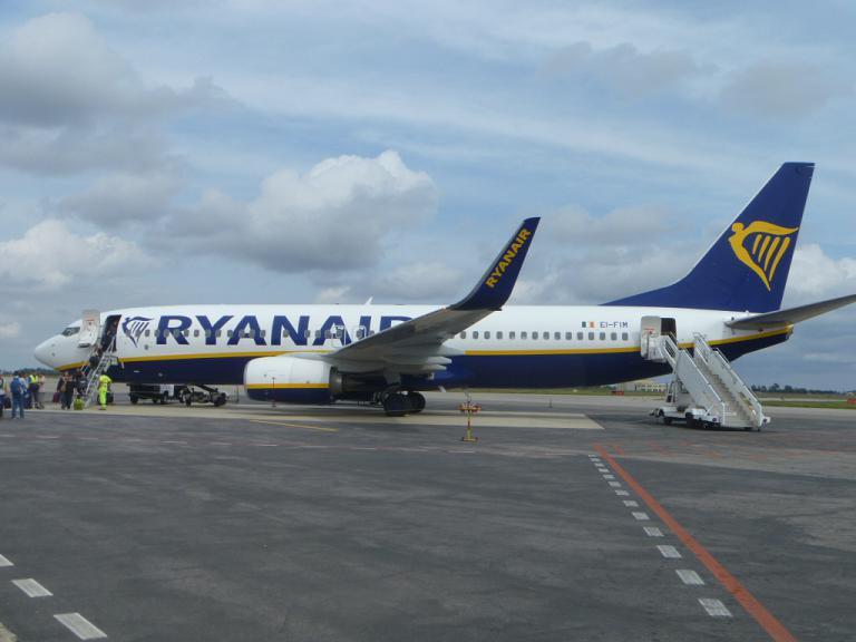 Путешествие по Европе. Часть 4. Рим (FCO T2)-Кротоне на B738 Ryanair.