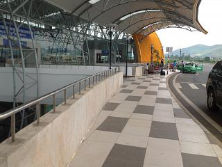 The entrance to the terminal of the airport lien khuong