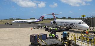 Boeing-717 Hawaiian airlines at the Lihue airport