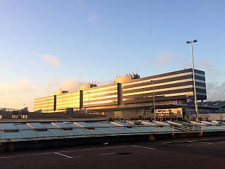 Терминал 3 аэропорта Амстердам Схипхол