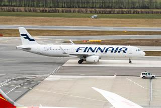 Airbus A321 (OH-LZH) of the airline Finnair at Vienna airport