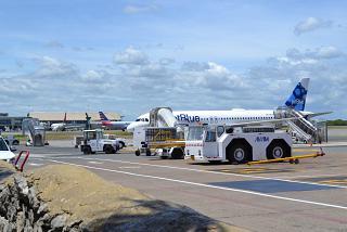Самолеты на перроне аэропорта Пунта-Кана