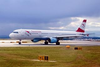 Airbus A321 of Austrian airlines at Vienna airport