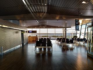 Зал ожидания перед выходом на посадку в аэропорта Рига