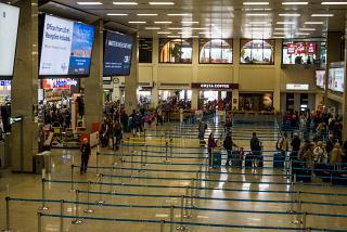 Зал регистрации аэропорта Мальта