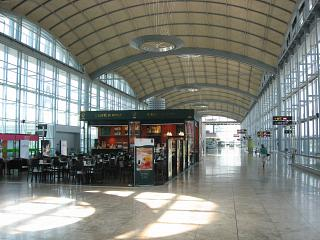 The gallery of gates at the airport of Alicante