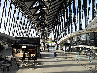 The main hall of Terminal 1 of the airport of Lyon Saint-exup
