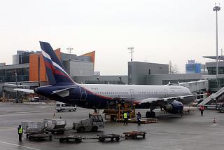Airbus A321 VP-BTR Аэрофлота в аэропорту Шереметьево