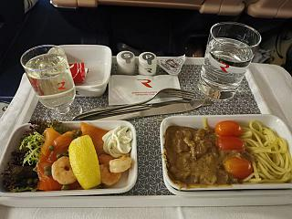 Meals in the business class of Rossiya Airlines on the flight Moscow - Yuzhno-Sakhalinsk