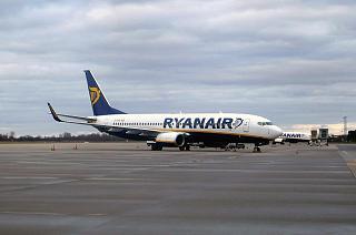 Boeing-737-800 Ryanair airport Baden-Baden