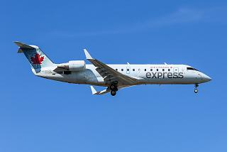 Bombardier CRJ-100ER C-FWRR авиакомпании Jazz Aviation