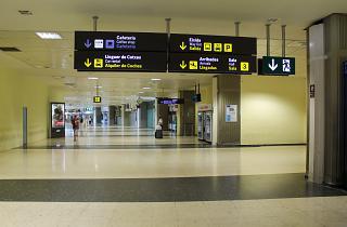 В пассажирском терминале аэропорта Валенсия