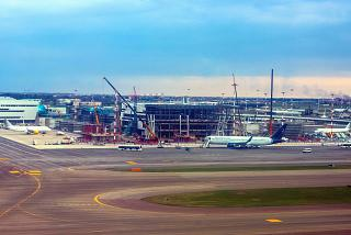Construction of pier F of terminal 1 of the airport Rome Fiumicino