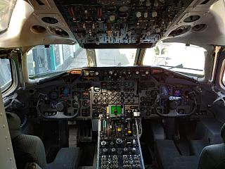 The cockpit in the aircraft Douglas DC-9