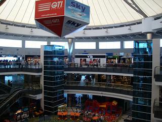 В чистой зоне терминала 2 аэропорта Анталья
