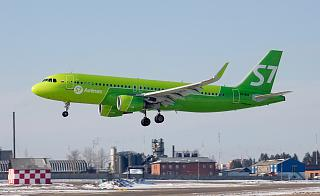 Airbus A320 VP-BOG S7 Airlines sits at the airport of Irkutsk