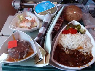 The food on the Emirates flight Dubai-Sydney