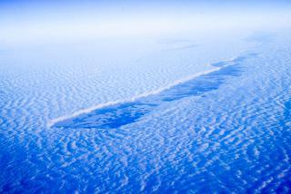 Разрыв в облаках. Рейс Омск-Москва.
