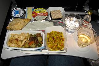 Hot meals on the flight Toronto-Paris Air France