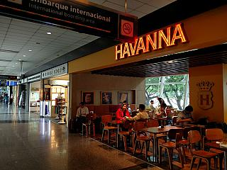 Gallery of shops and cafes at the airport in Buenos Aires Jorge Newbery