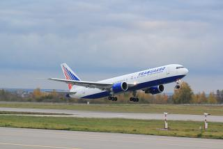 "Takeoff Boeing-767-300 of the airline ""Transaero"""