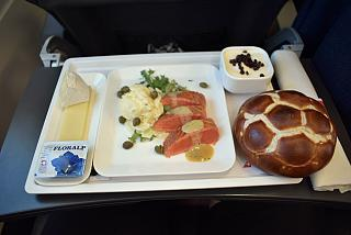In-flight meals passengers business class on the flight London-Zurich SWISS