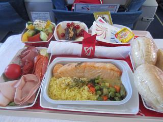 Питание в бизнес-классе Уральских авиалиний