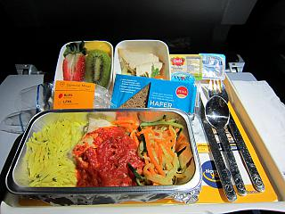 A special meal for the flight Frankfurt-Singapore Lufthansa