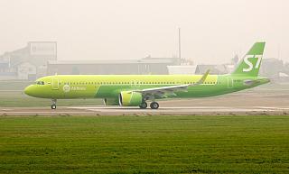 Airbus A321neo авиакомпании S7 Airlines в аэропорту Иркутска