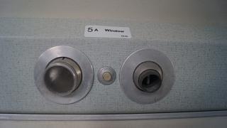 Индивидуальные светильник и вентилятор в самолете DHC-6 Twin Otter