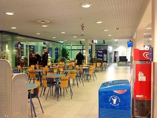 Zana departure at the airport in Kajaani