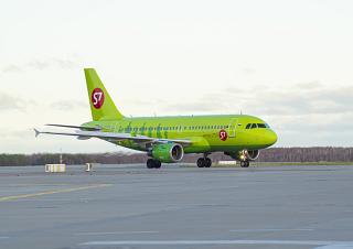 Airbus A319 авиакомпании S7 Airlines в аэропорту Домодедово