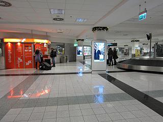 Зал прилета в аэропорту Будапешта
