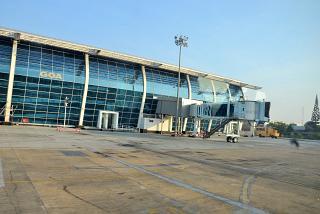 Пассажирский терминал аэропорта Гоа Даболим со стороны перрона
