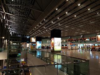 Зона регистрации на рейсы в терминале 2 аэропорта Ереван Звартноц