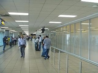 Hall meeting arriving passengers at the airport of Panama, Tocumen
