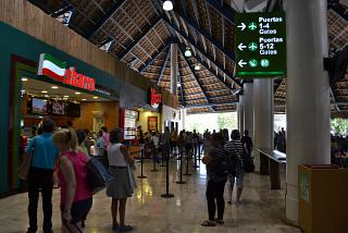 Gallery cafe fast food in a clean area of the airport of Punta Cana
