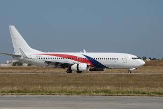 Самолет Boeing 737-800 UR-SQA авиакомпании SkyUp Airlines