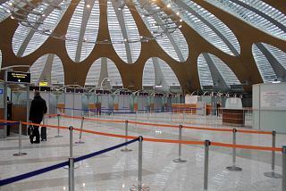 Зона паспортного контроля в терминале D аэропорта Шереметьево