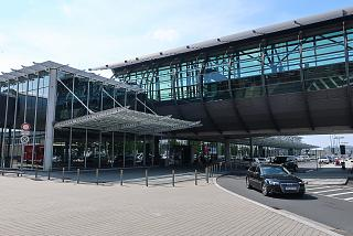 Entrance to the passenger terminal B of Leipzig-Halle Airport