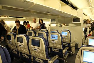 Economy class aircraft Boeing-777-200 airlines Korean Air